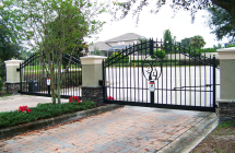 Bloomingdale custom community