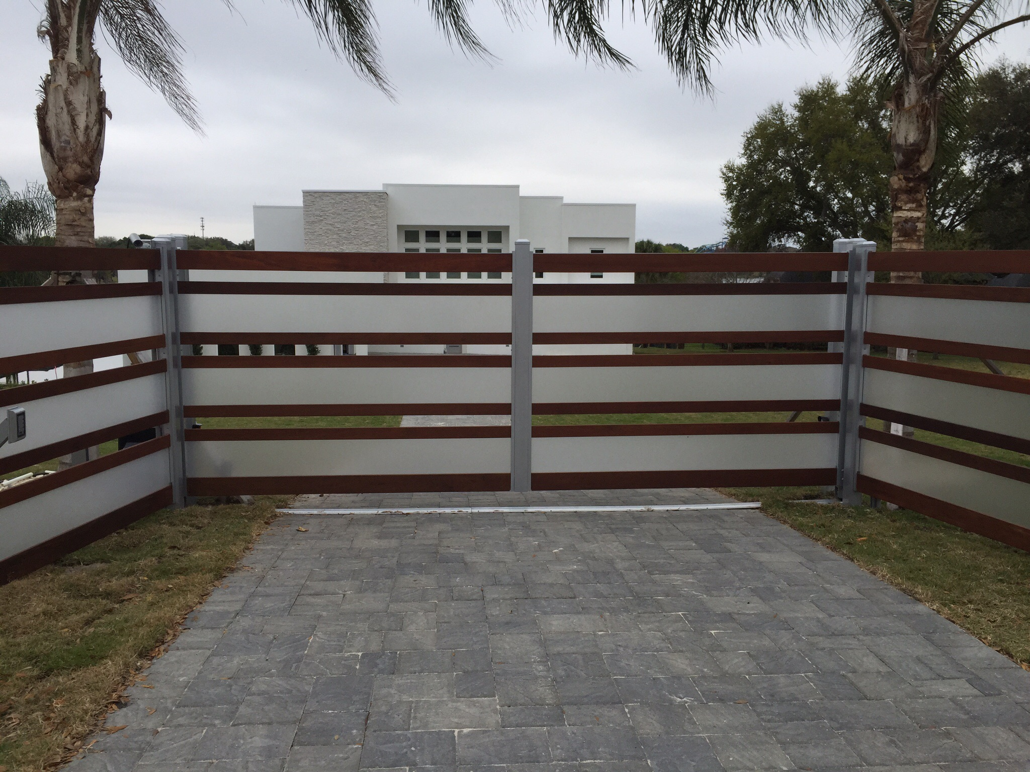 Design Modern Fence winter haven modern fence gate tech inc custom driveway gates gate