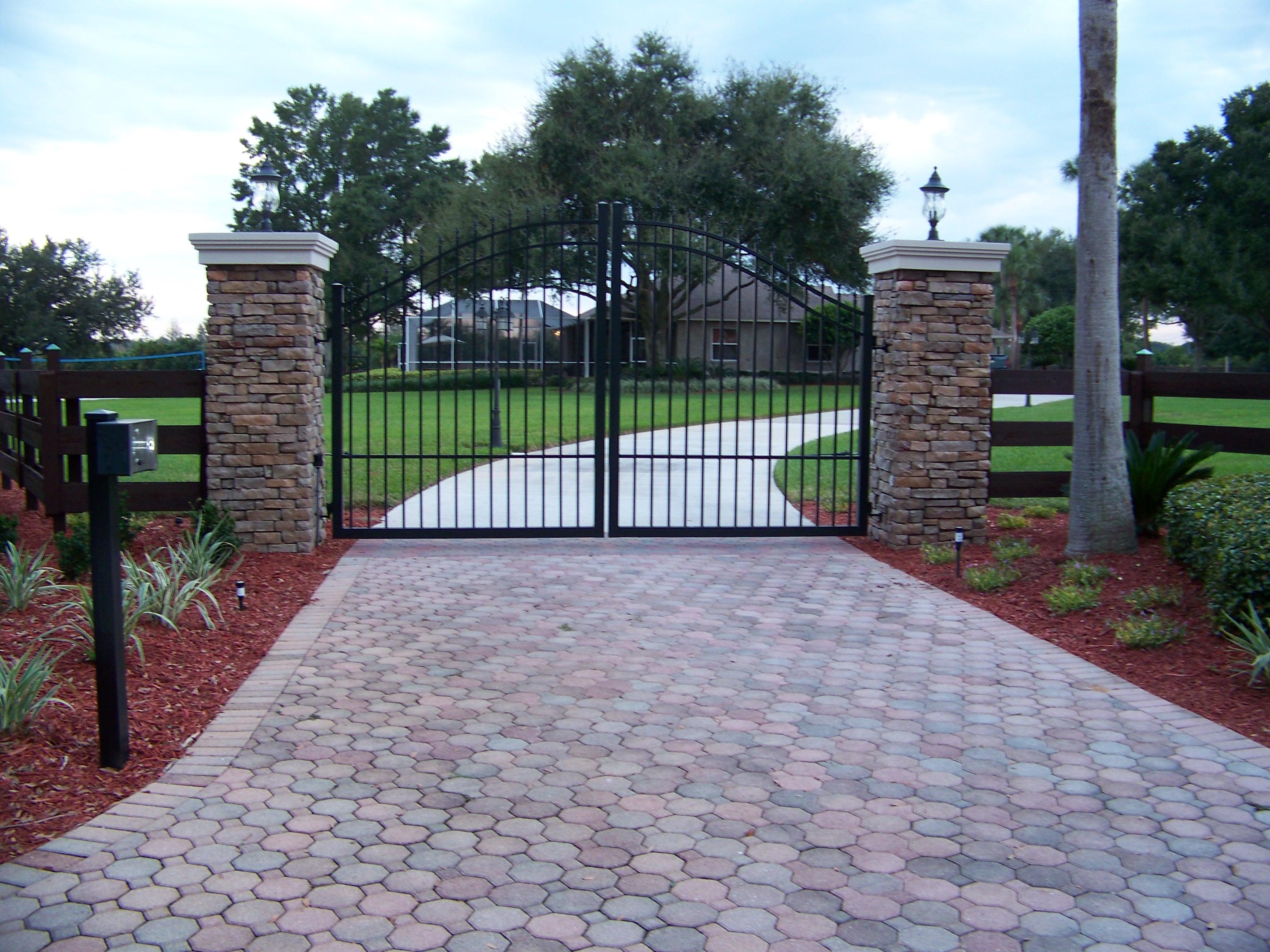 Thonotosassa Estate Gate Tech Inc Custom Driveway